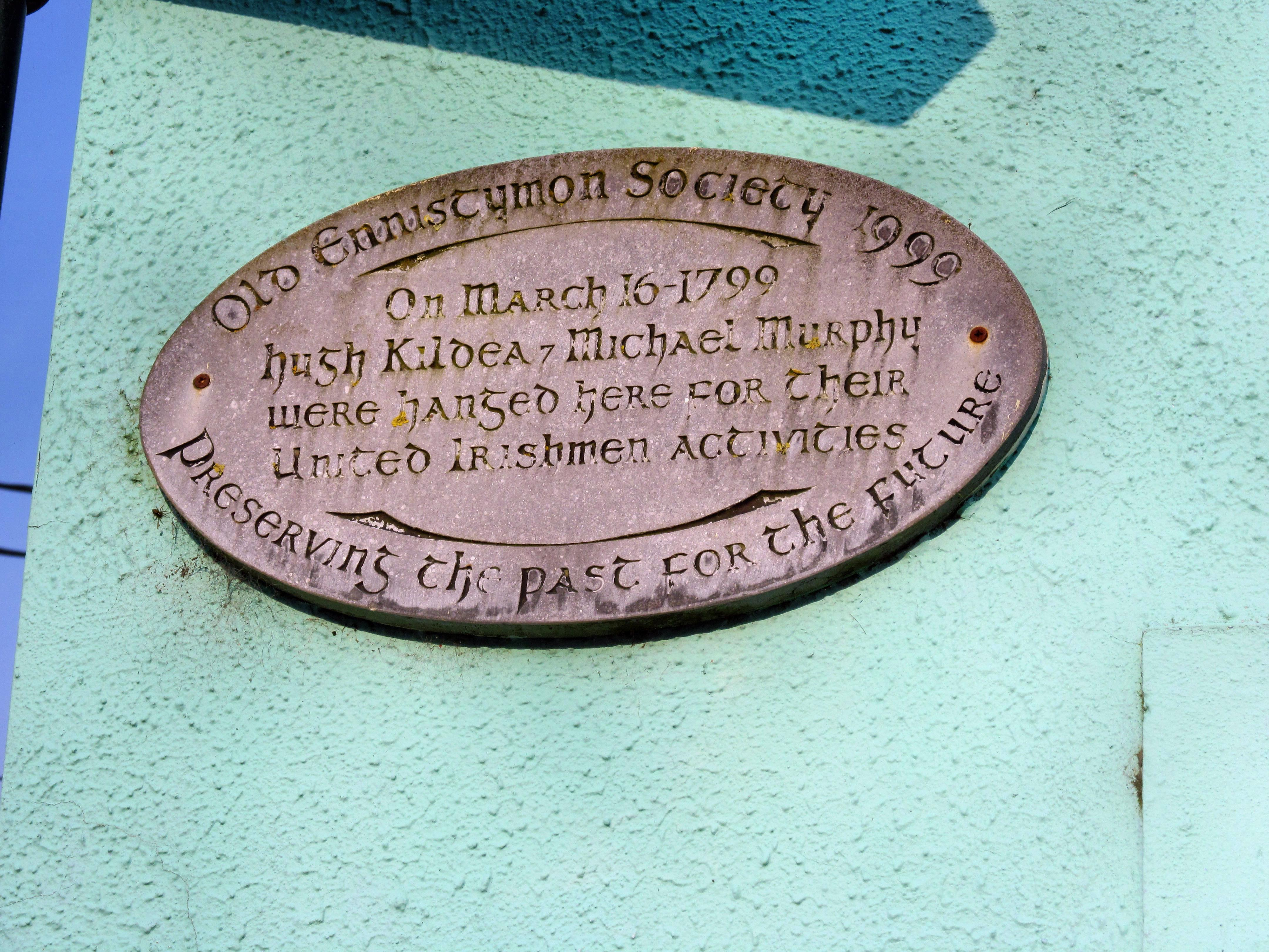 Plaque in Ennistymon inmemory of Hugh Kildea and Michael Murphy, hanged for their part in the United Irishman rebellion of 1798